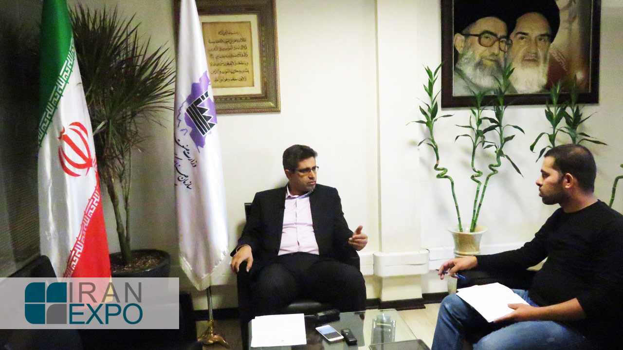 قنبری: در 6 ماه نخست امسال، 25 میلیون دلار سرمایه گذاری خارجی در شهرک های صنعتی استان تهران و همچنین100 میلیون دلار صادرات از آنها صورت گرفته است.