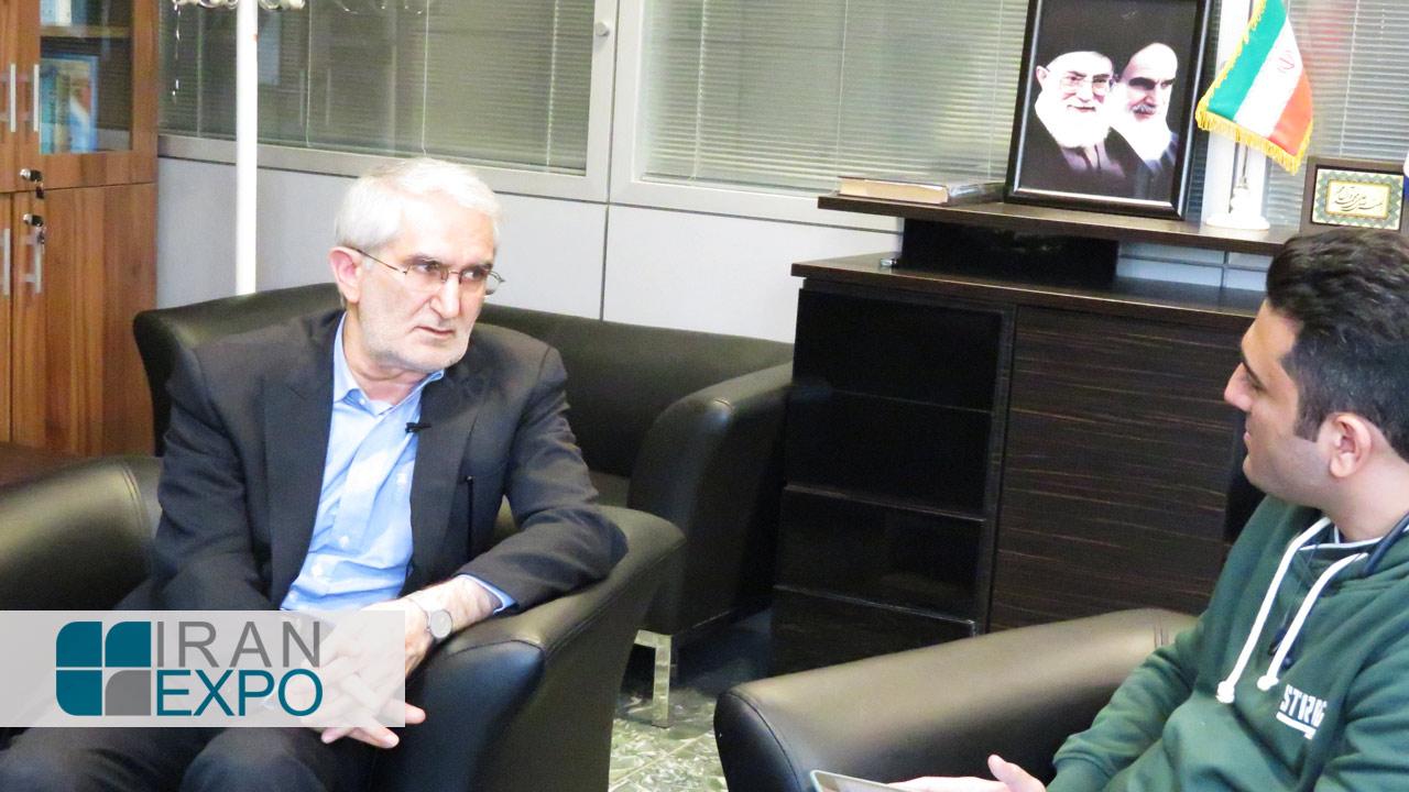 حسین امیری: ما نتوانستیم بازار هدف را در منطقه تصاحب کنیم که مهمترین دلیل آن عدم برگزاری نمایشگاه های صادراتی است. از اینرو لازم است که ایران اکسپو از حمایت همه جانبه برخوردار شود تا شاهد برگزاری بی وقفه آن باشیم.