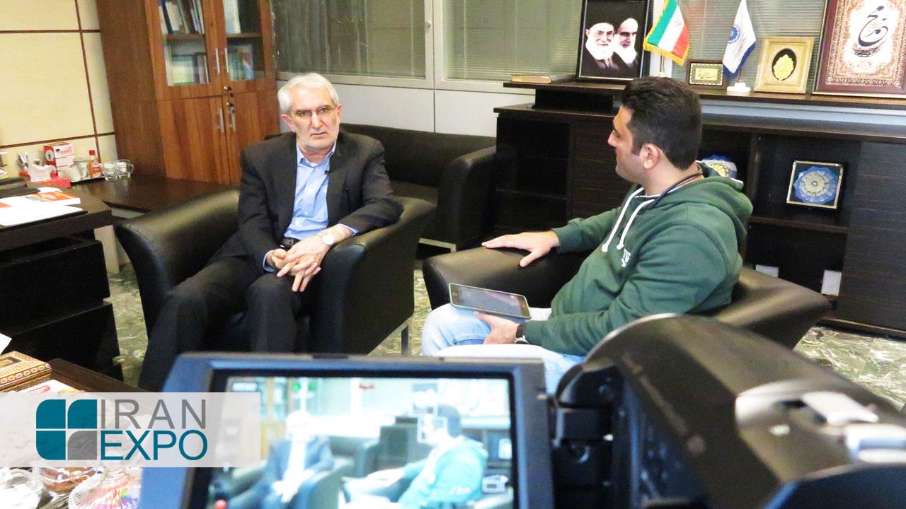دکتر امیری: تولیدکنندگان باید محصولات رقابت پذیر با سایر کشورها در سطح منطقه ای و جهانی تولید کنند و در این زمینه، کیفیت و قیمت دو پارامتر تعیین کننده هستند؛ پارامترهایی که چالش های تولید در ایران به شمار می آیند.