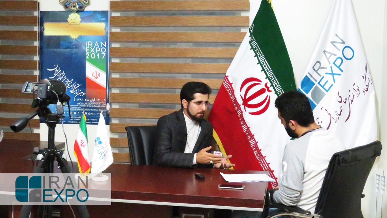 عضو هیئت علمی دانشگاه: ایران اکسپو، کلکسیونی از کالاها، خدمات، تولیدات، و موفقیت های صاحبان آنهاست که در معرض نمایش تجار خارجی قرار خواهد گرفت.