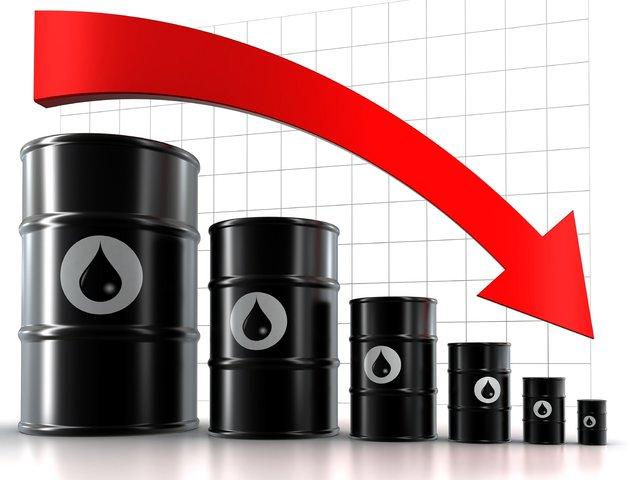 کاهش قیمت نفت در پی افزایش تولید آمریکا